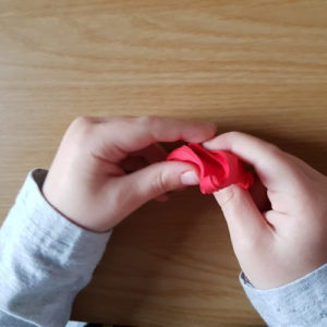 How to Make Easy Jumping Clay Tree Decorations. - Bell 2