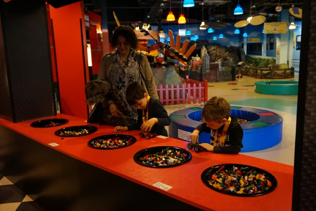 Family Days Out - Legoland Discovery Centre Manchester - build